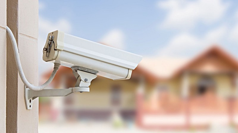what is home security systems and features to look for