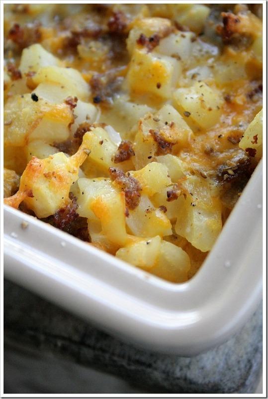 Cheesy Potato Breakfast Casserole | Recipleaser