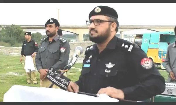 KPK #DPO Wahid mehmood reciting beautiful #Quran  #Pakistan