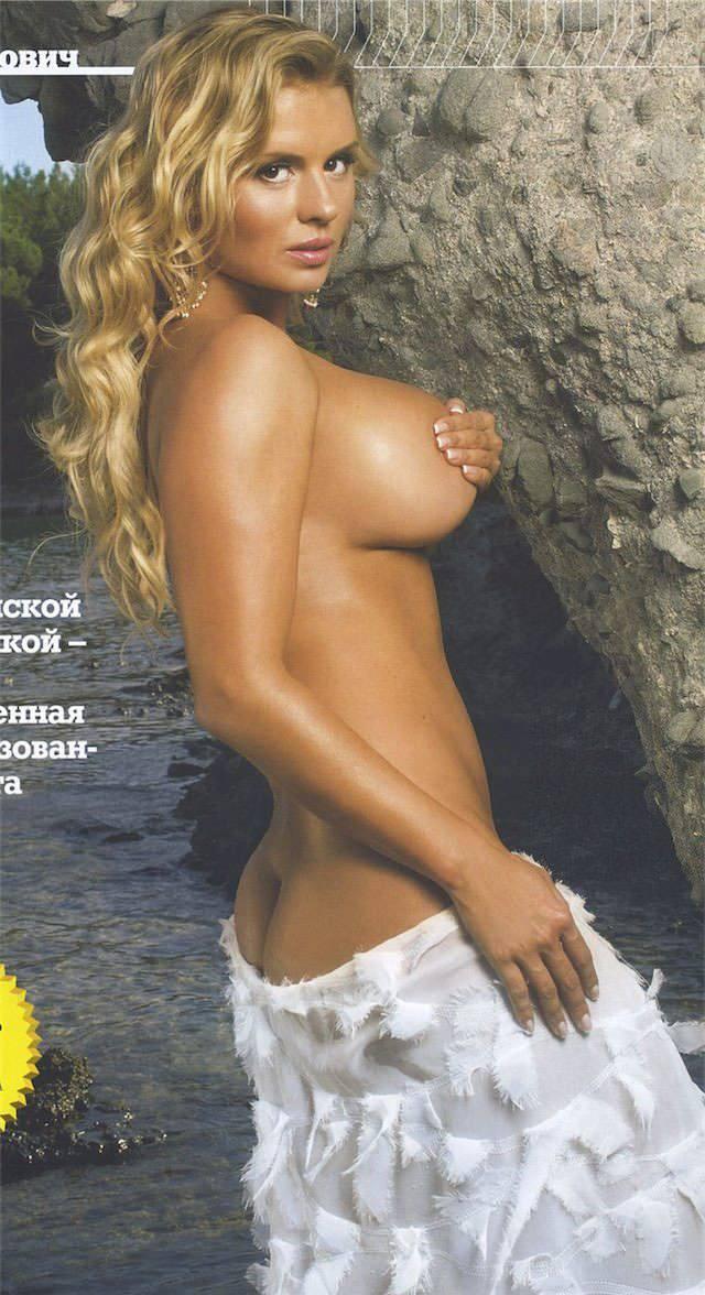 Порно в анус красивой брюнетки